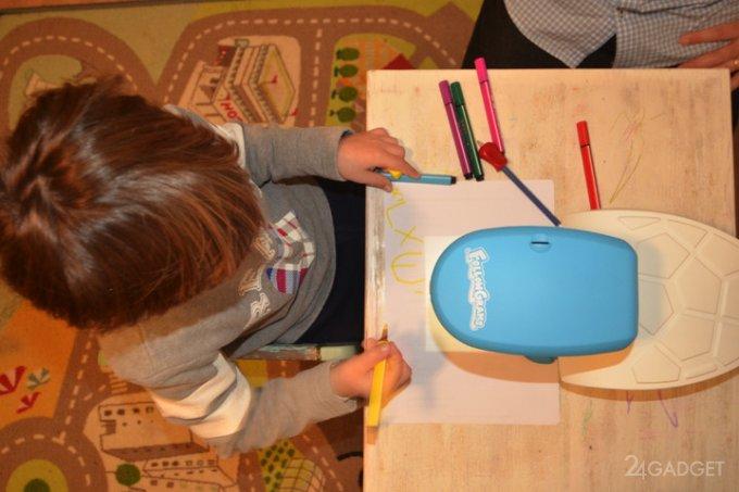Проектор, обучающий детей рисованию и письму (8 фото + видео)