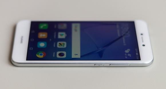 Huawei P8 Lite 2017- Правая грань