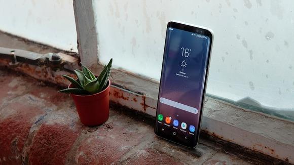 Новые флагманы Samsung Galaxy S8-экран
