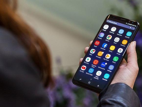 Samsung Galaxy S8 Plus-эргономика