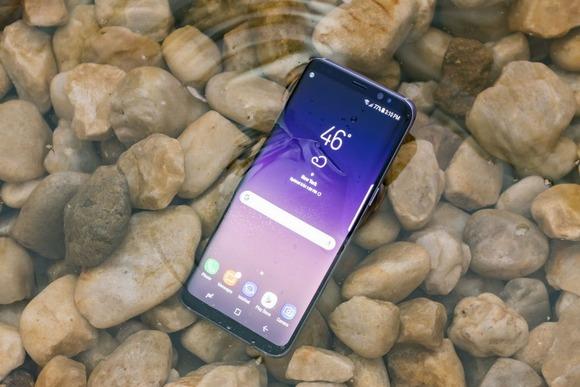 Новинки Samsung Galaxy S8-защита от влаги и пыли тест
