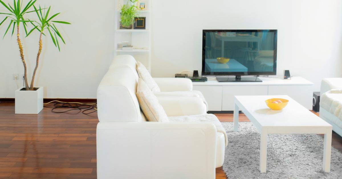 Выбираем телевизор или Как не попасть на маркетинговую «удочку» - Телевизор в гостиной