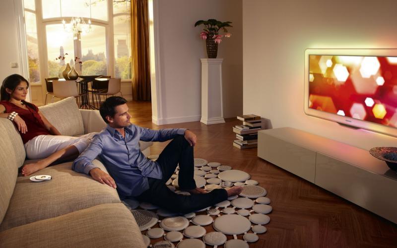 Выбираем телевизор или Как не попасть на маркетинговую «удочку» - Пара у телевизора