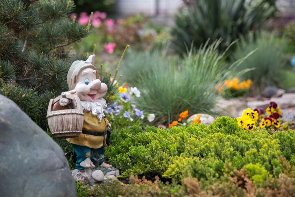 Садово-парковые фигуры и скульптуры-гном
