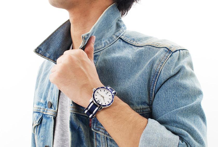 История часового бренда Tissot сделано в Швейцарии – Tissot Quickster NATO на руке