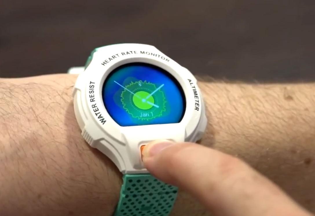 Смарт-часы Alcatel, Pebble и TomTom обзор популярных моделей – Alcatel One Touch Go Watch на руке