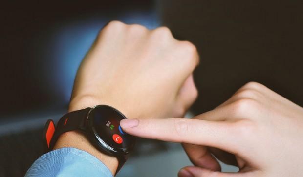 Как выбрать смарт-часы особенности, советы, нюансы – Xiaomi AmazFit на руке
