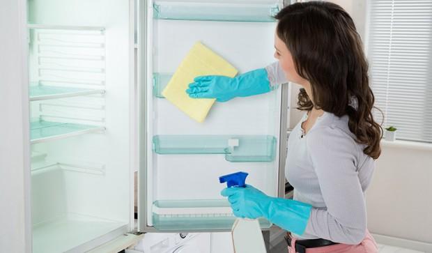 Как размораживать холодильник правильно и быстро – Мытье холодильника