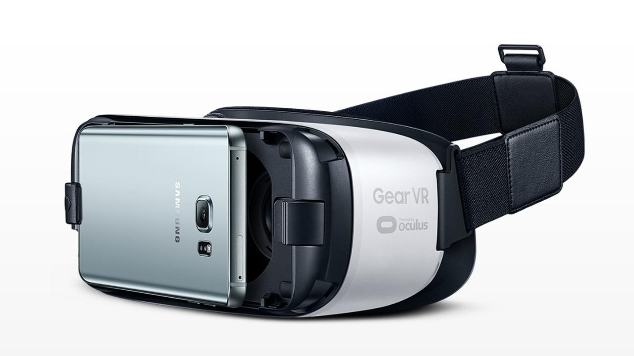 Лучшие шлемы виртуальной реальности для геймеров - Samsung Gear VR (1)