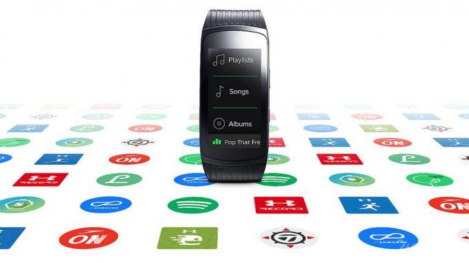 Gear Fit2 Pro - водонепроницаемый фитнес-браслет от Samsung (9 фото)