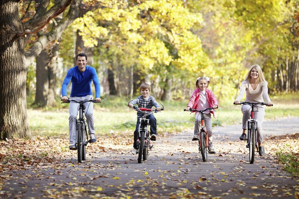 Прогулка на велосипедах-всей семьей