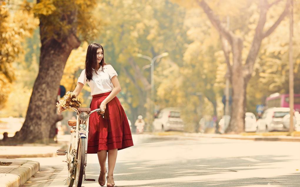 Велосипед в городе-осень