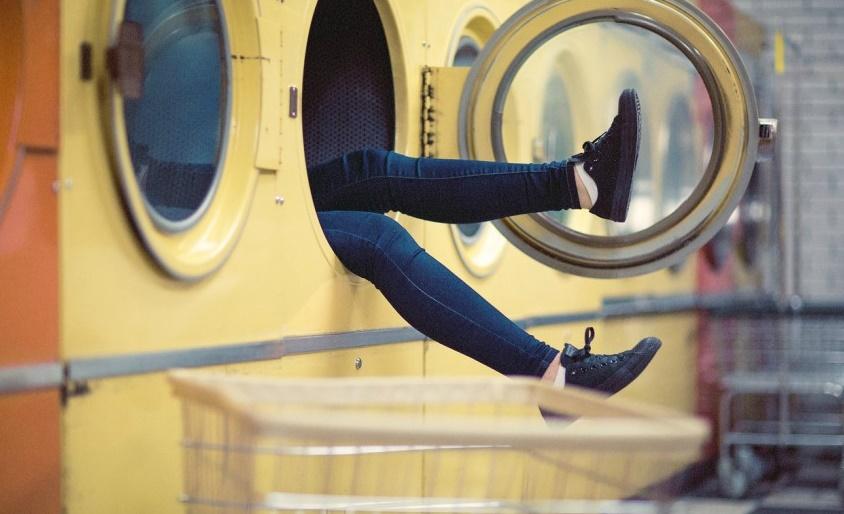Правильный уход за обувью как стирать кроссовки в стиральной машине – Как постирать кроссовки