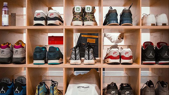 Правильный уход за обувью как стирать кроссовки в стиральной машине – Полка с кроссовками