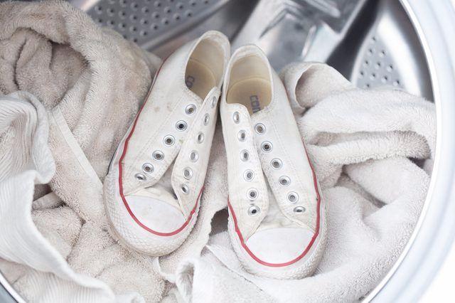 Правильный уход за обувью как стирать кроссовки в стиральной машине – Кеды в машинке