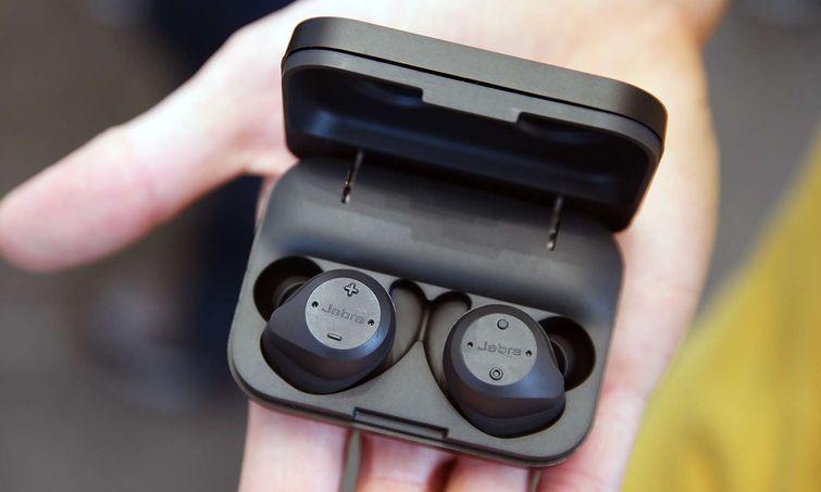 Ищем альтернативы беспроводным наушникам Apple AirPods - Jabra Elite Sport