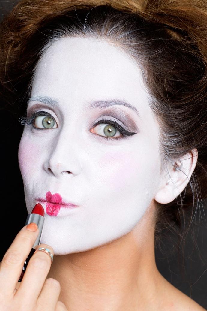 Подготовка к Хэллоуину-Дама червей