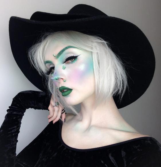 Halloween-образ ведьмы