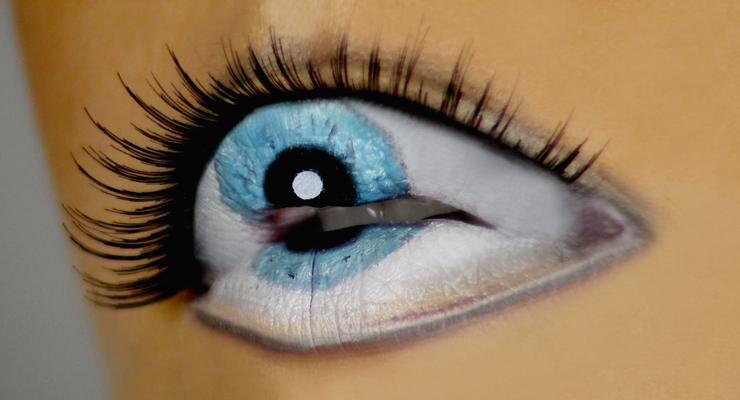 Макияж губ-третий глаз