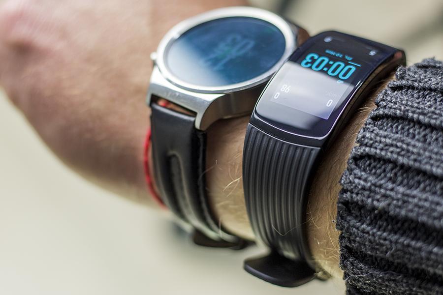 Gear Fit 2 Pro в сравнении с Huawei Watch!