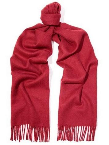 Лучшие идеи подарков для любимых в День Святого Валентина – женский шарф