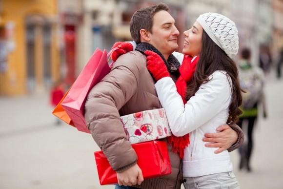 Лучшие идеи подарков для любимых в День Святого Валентина – пара