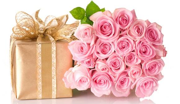 Незаменимый подарок маме на 8 марта – Подарок и цветы