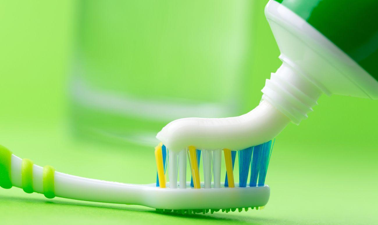 7 бюджетных средств от всевозможных пятен - Зубная паста