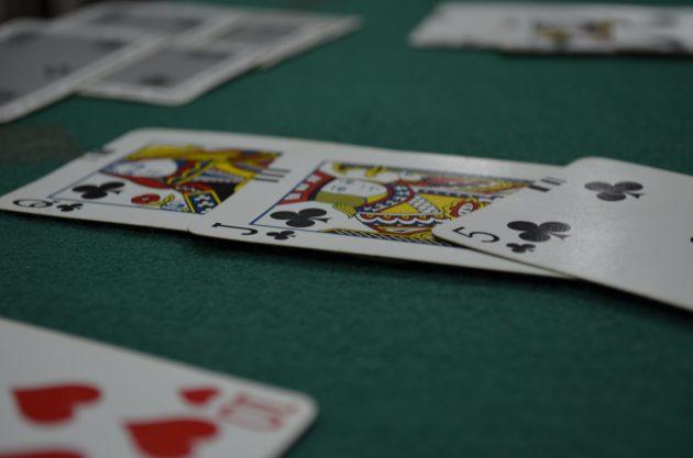 8 настольных игр, которые развивают интеллект – бридж