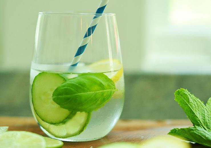 Вода с огурцом-детокс-вода