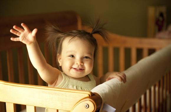 Как выбрать детскую кроватку – советы молодым родителям – Малышка в кроватке