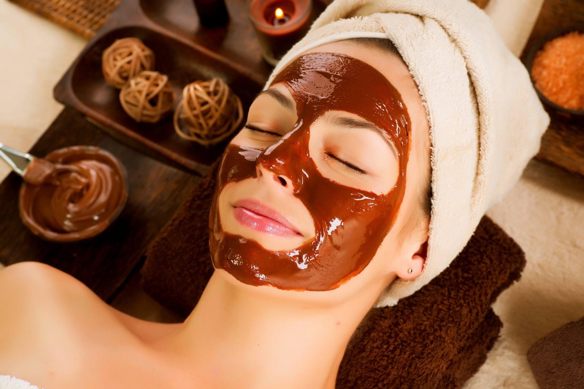 Полезные и натуральные маски для лица в домашних условиях – шоколадная маска