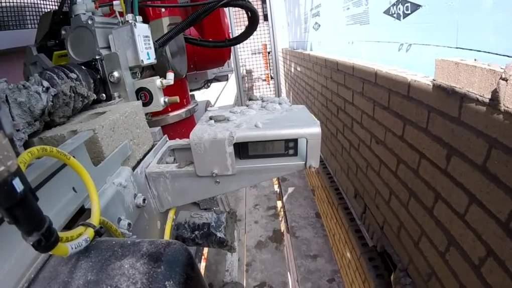 Robot palletizer for brick work