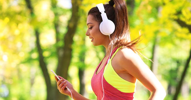 На пробежку с музыкой-здоровый образ жизни