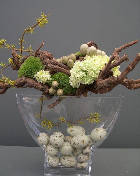 Ваза с цветами и кореньями-фото