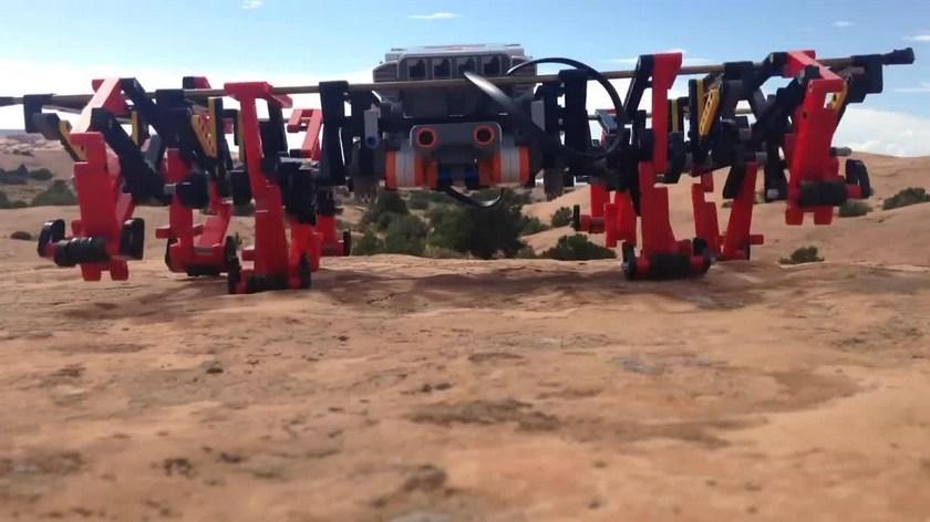 Eight legged robot of LEGO Mindstorms