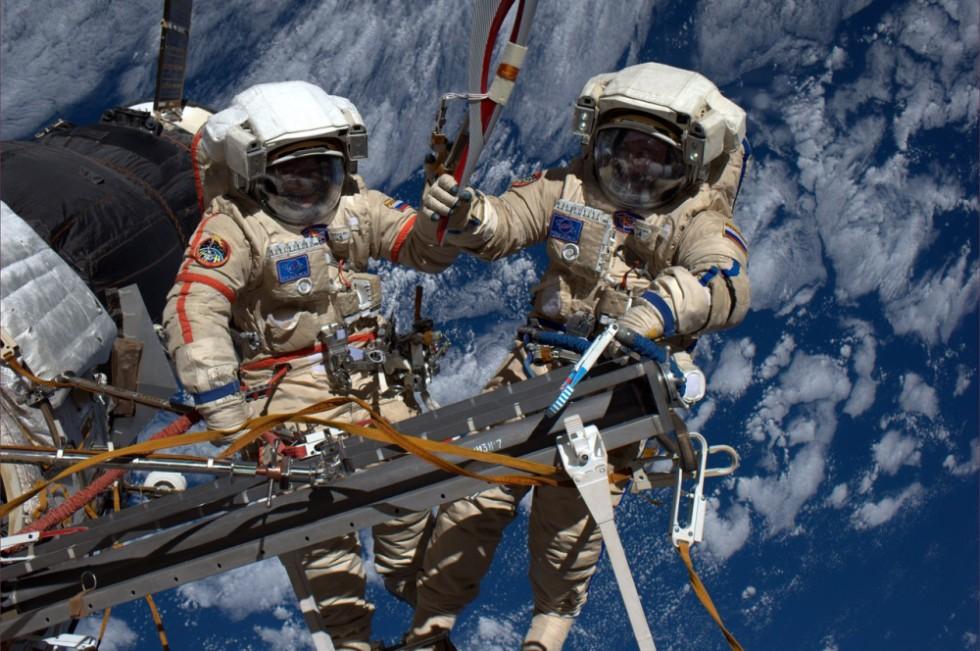 """Roskosmos"": why do we have people in orbit?"