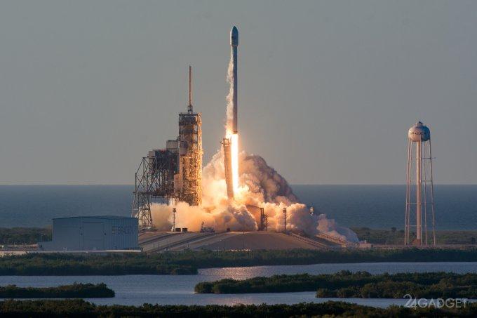 Falcon 9 вывел на орбиту сверхтяжелый спутник Inmarsat-5 F4 (5 фото + видео)
