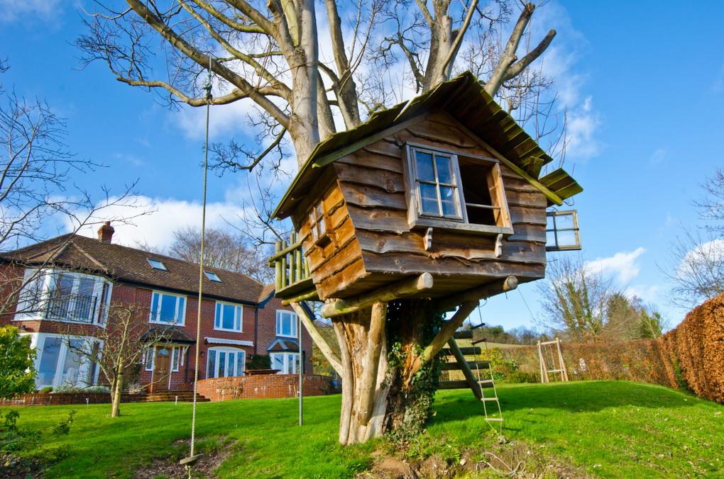 Домик на дереве-для детворы