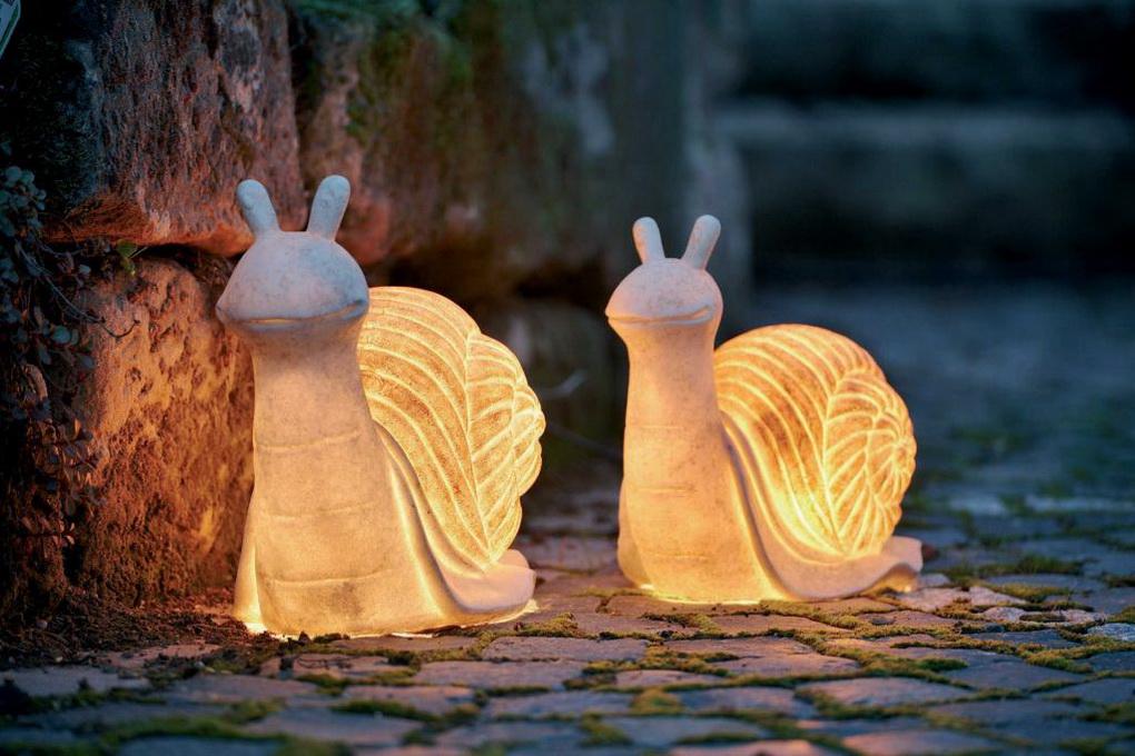 Улитки-оригинальные светильники для сада