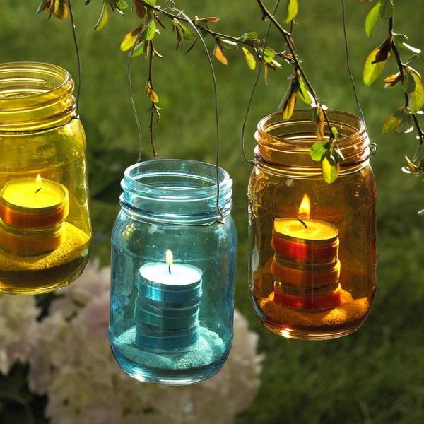 Свечи в саду-декоративное освещение