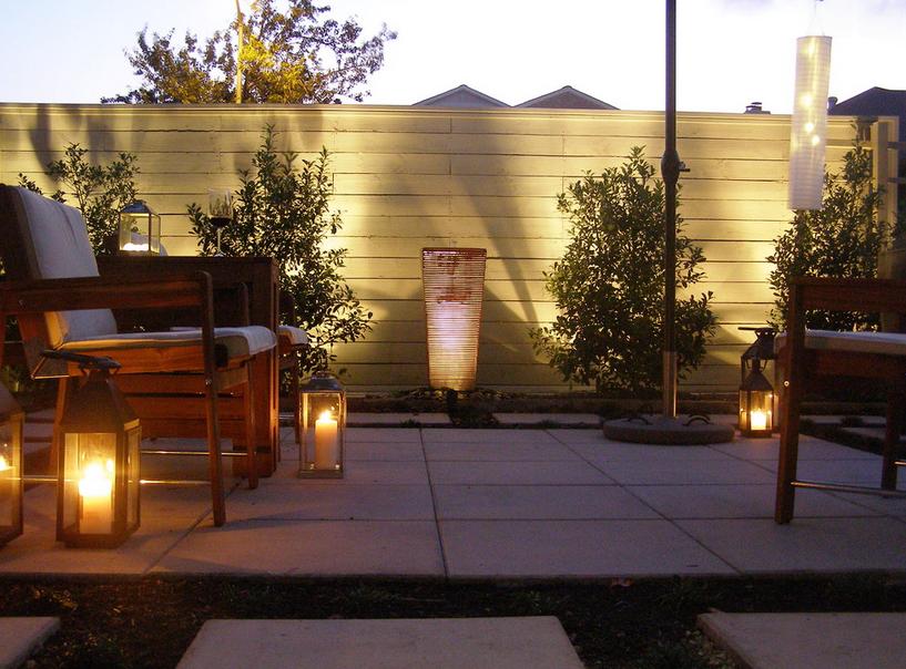 Свечное освещение в саду-фото