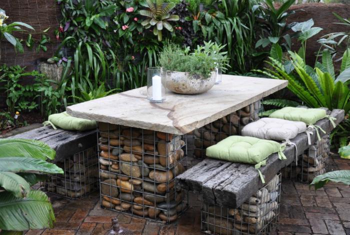Садовая мебель-из камня