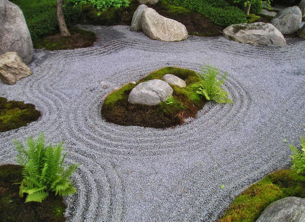 Японский сад камней-фото