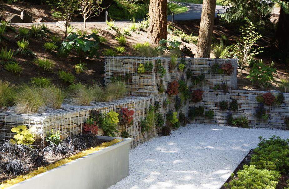 Современный сад-габионы фото 2