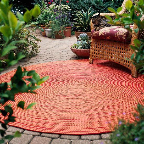 Текстиль в саду-ковер