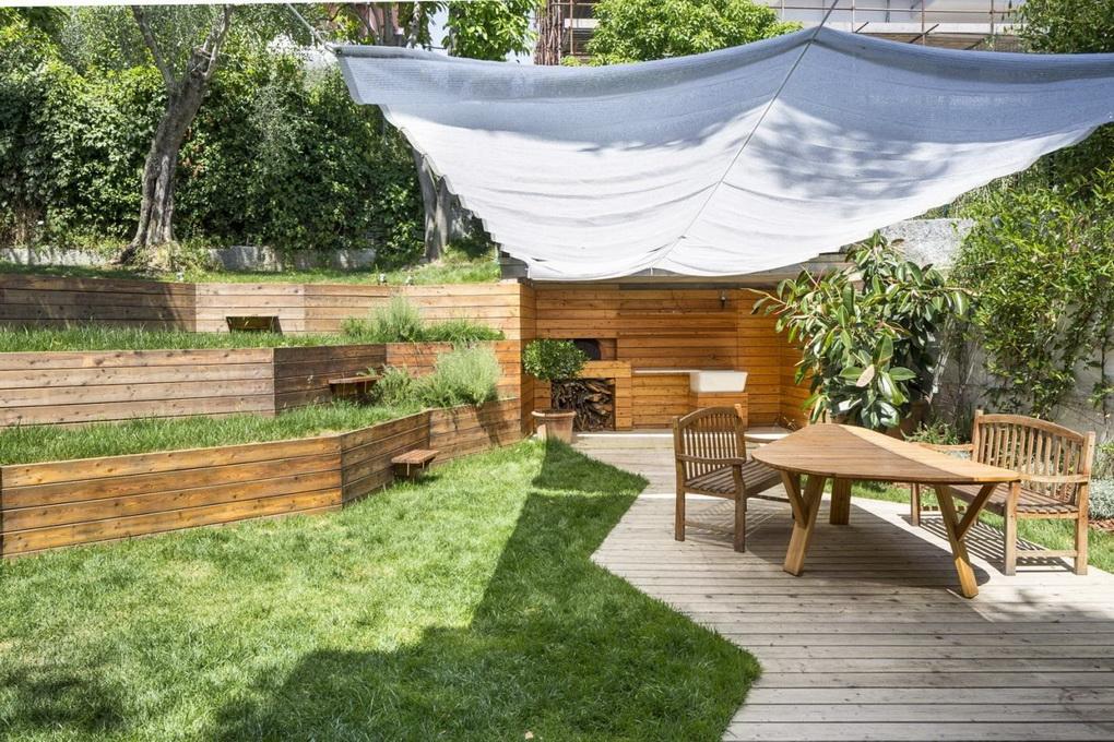 Террасный сад-обеденная зона под навесом