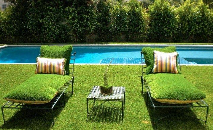 Газонная трава-садовая мебель