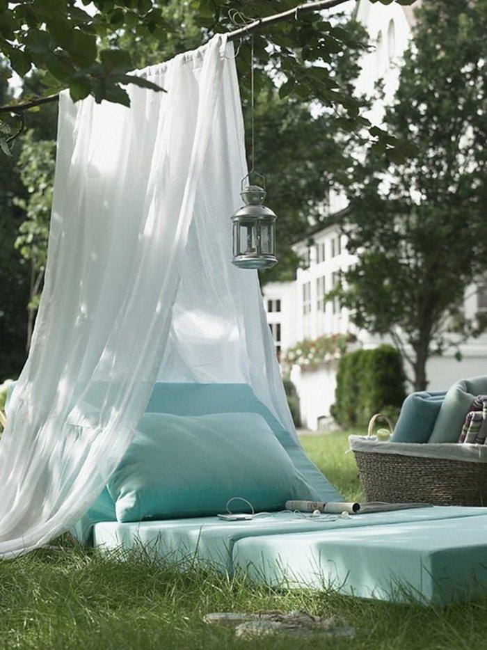 Балдахин в саду-для отдыха