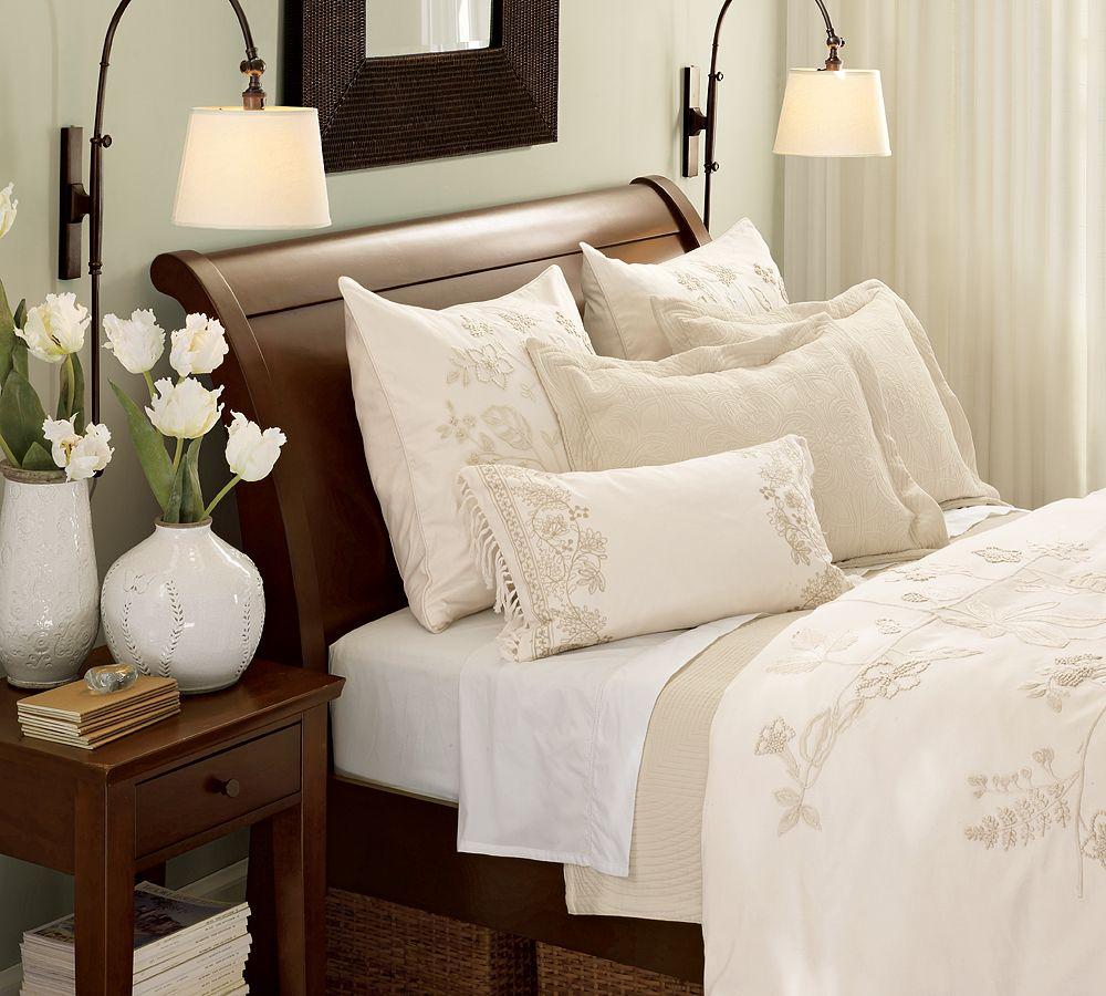 Светлое постельное белье-фото